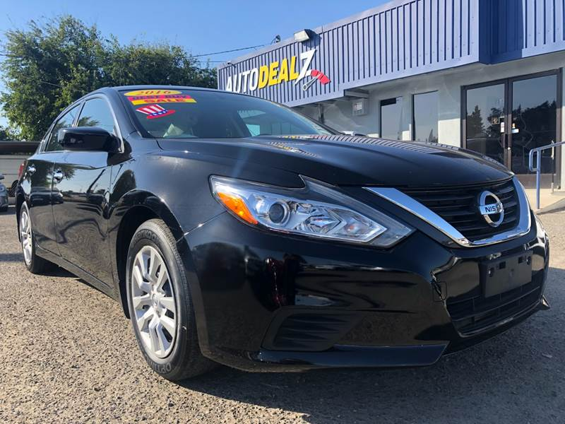 Good Pre Owned 2016 Nissan Altima 2.5 Sedan 4D