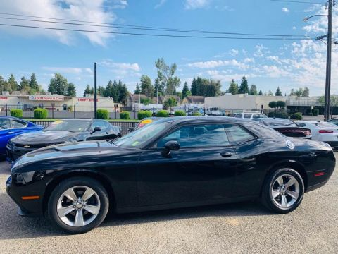 Pre-Owned 2016 Dodge Challenger SXT Coupe 2D Rear Wheel Drive Coupe