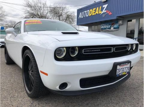 Pre-Owned 2015 Dodge Challenger SXT 2dr Coupe Rear Wheel Drive Coupe