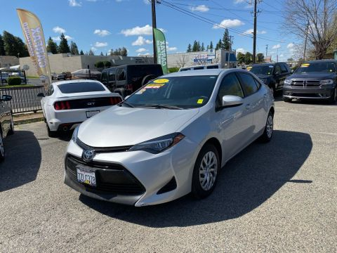 Pre-Owned 2018 Toyota Corolla LE Sedan 4D