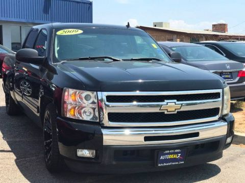 Pre-Owned 2009 Chevrolet Silverado 1500 LT 4x2 4dr Crew Cab 5.8 ft. SB Rear Wheel Drive Pickup Truck