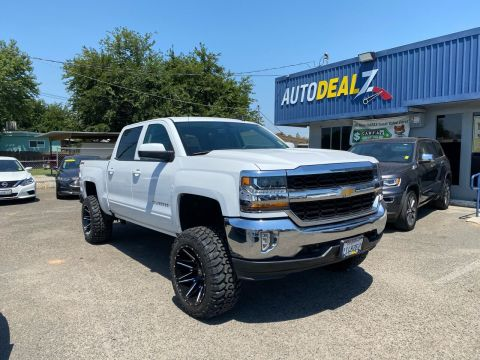 Pre-Owned 2017 Chevrolet Silverado 1500 LT Pickup 4D 5 3/4 ft Four Wheel Drive Pickup Truck