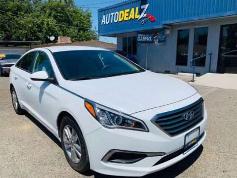 Pre-Owned 2017 Hyundai Sonata SE Sedan 4D Front Wheel Drive Sedan